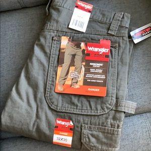 Wrangler Cargo Work Pants •NWT